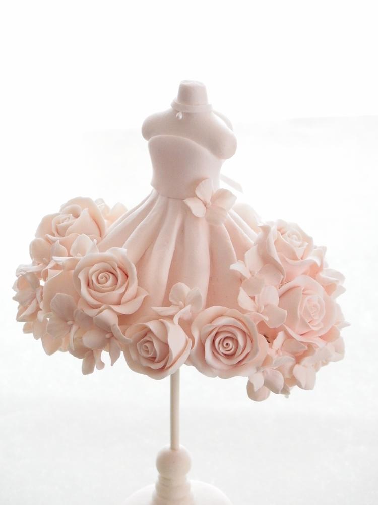 クレイで作る、バラのウエディングドレス トルソーデコ