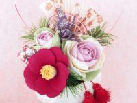 クレイ椿と葉牡丹のお正月ミニアレンジ