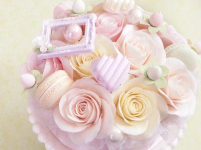 クレイローズケーキのバレンタインデコ