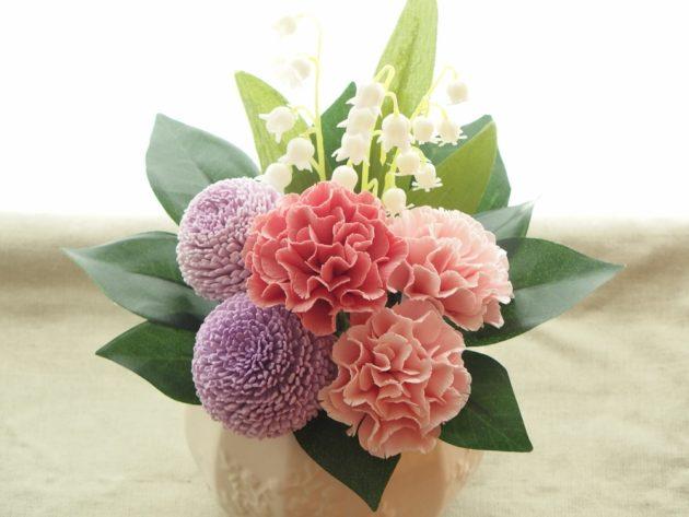 クレイフラワーで仏花 アジサイとポンポン菊
