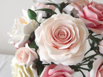 フラワーⅢカリキュラム 長い茎のバラ 丸弁カップ咲風