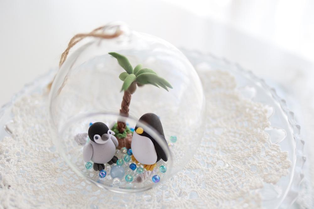 ダイソー吊りガラスでペンギン親子のサマーアレンジ2