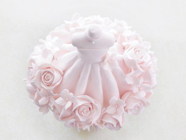 クレイで作る、バラのウエディングドレス トルソーデコ2