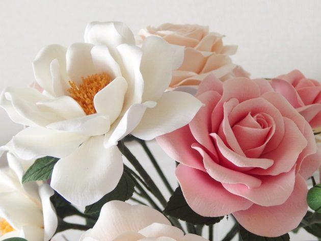 フラワーⅢカリキュラム 長い茎のバラ 八重咲き風 半剣高芯咲き風